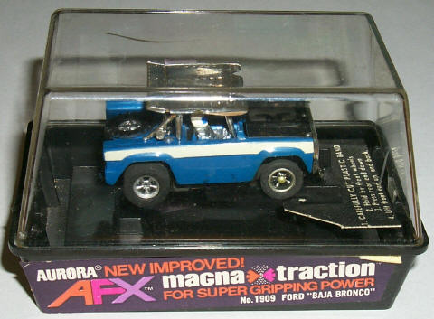 AFX AURORA VINTAGE NOS  MAGNATRACTION CHASSIS HO SLOT CAR FOR 43 PETTY NOMAD